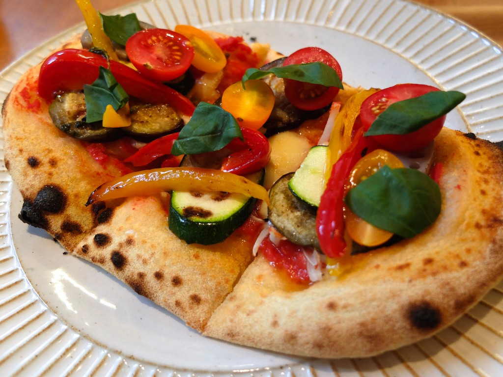 Sekai-Cafe-grilled-vegetable-pizza-halal-food-tokyo-asakusa